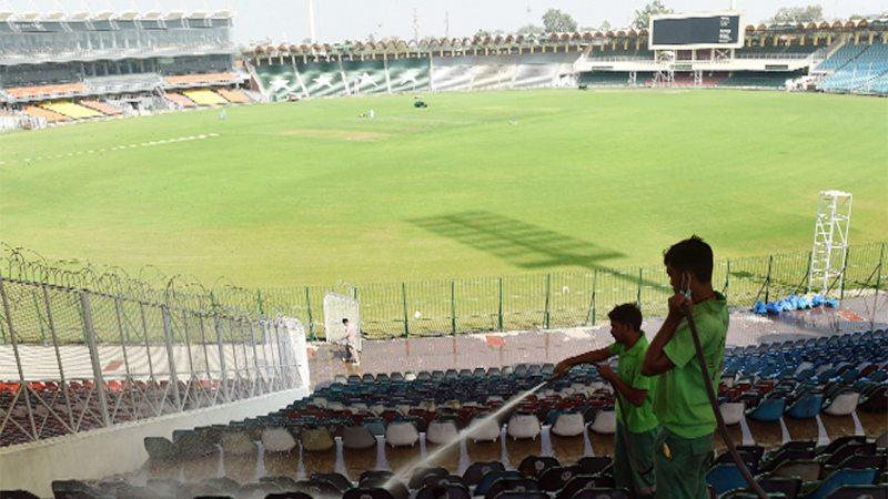 Qalandars take on Sultans at Gaddafi Stadium today