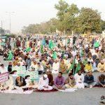 Religious protesters shut down Karachi's Numaish