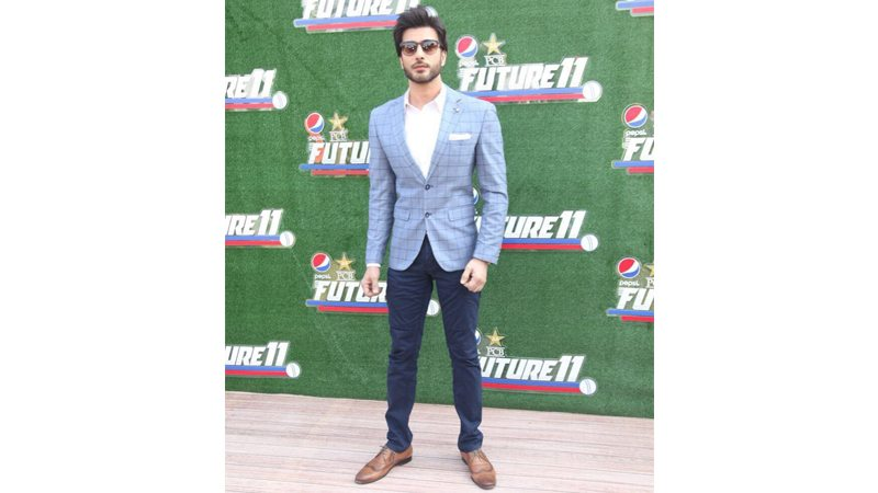 Pakistani celebrities step out on the red carpet for the under 19 the big send off event - Cozy white shag rug for the comfortable steps sensation ...
