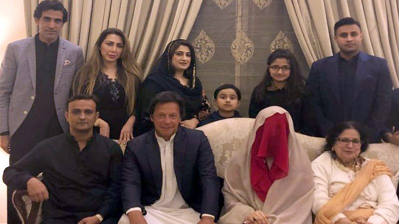 d8c18a8fa5 In late 2016, at a family friend's daughter's wedding ceremony in London,  Imran Khan took to the stage to take a jab at himself on the topic of his  marriage ...