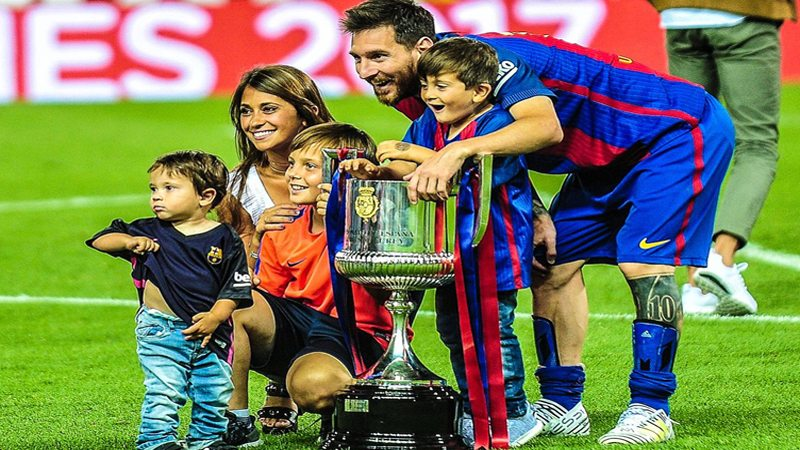 Apologise, but Lionel messi son speaking the