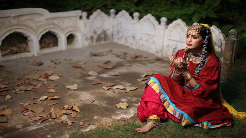 9bcd7249b5 Designers in Pakistan help keep traditional fashion, culture alive ...