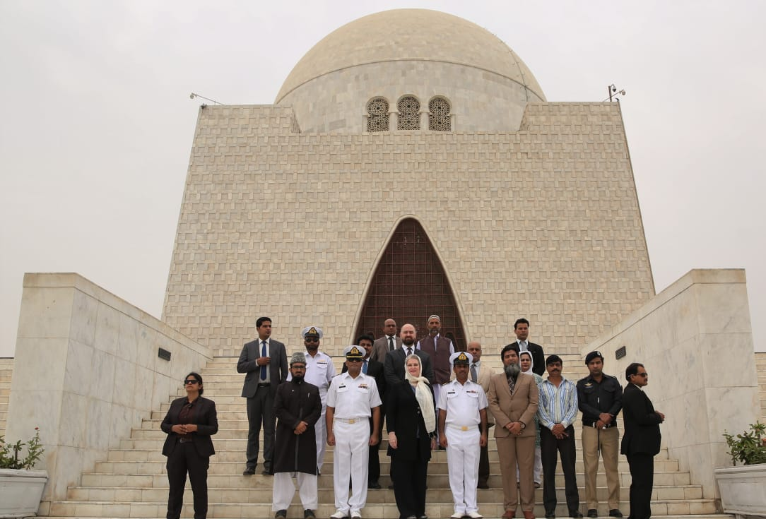 US Consul General pays visit to Mazar-e-Quaid - Daily Times