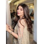 It is absurd to compare Lollywood with Bollywood: Mawra Hocane