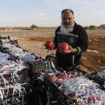 At Syria border, Jordanians dash over for cheap shopping