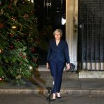 UK PM survives confidence vote over Brexit deal