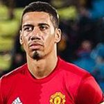 Smalling extends Manchester United contract to 2022