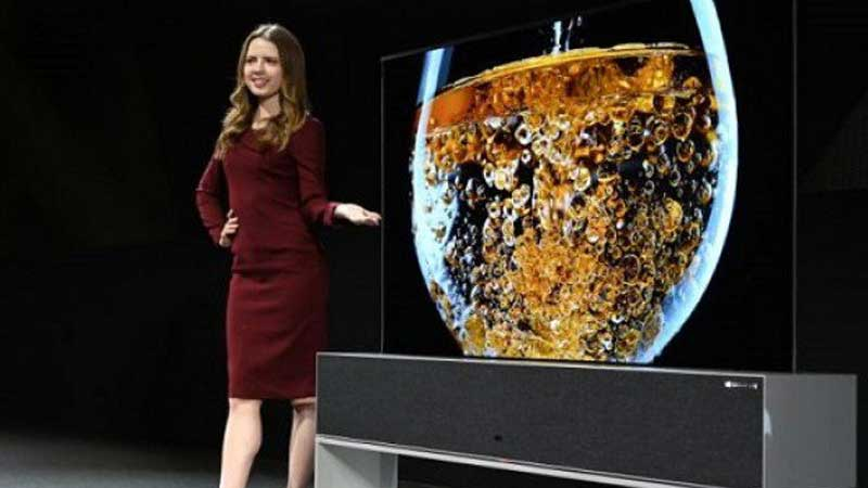 LG-flexes-roll-up-TV-as-screens-start-to-bend