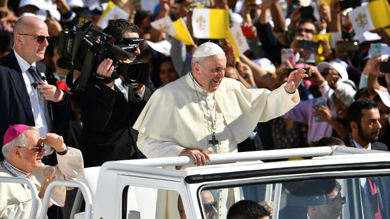 Pope Francis celebrates historic mass in UAE