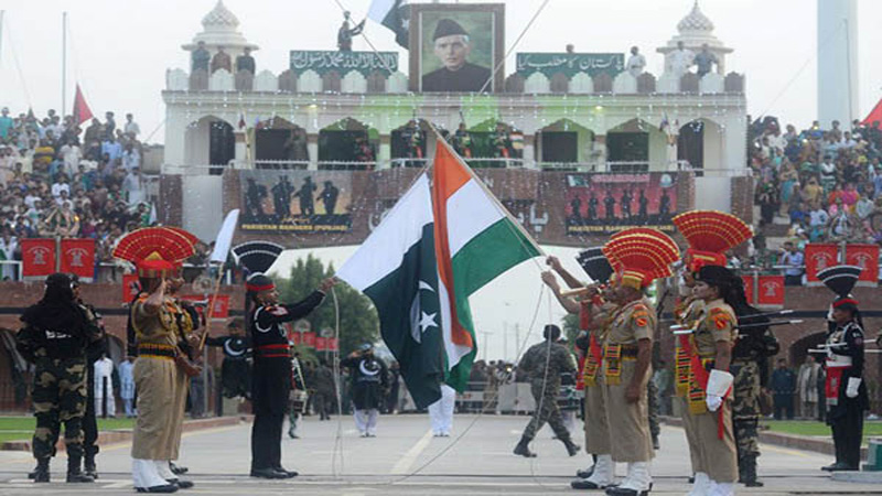 Two Pakistani nationals stranded across border handed over by India