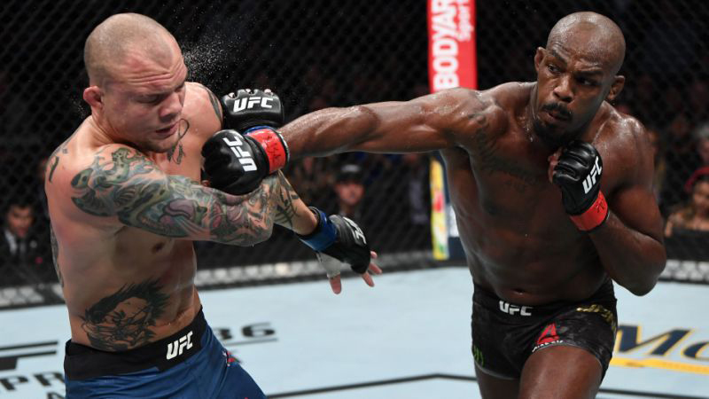 Jon Jones faces Anthony Smith as favourite on UFC 235 odds