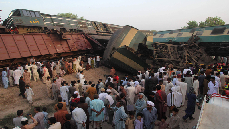 11 killed and 67 injured in train collision in Sadiqabad