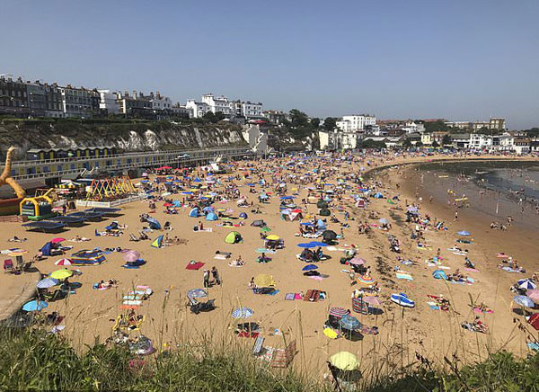 Scientists say 10 warmest U.K. years have all been since 2002
