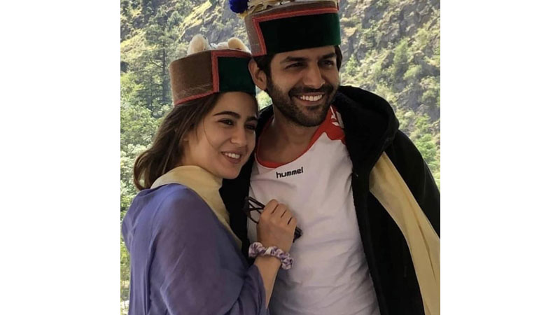 Sara Ali Khan's massive transformation from fat to fit leaves Kartik Aaryan amazed-Pic proof