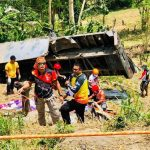 15 killed as truck falls into ravine in southern Philippines