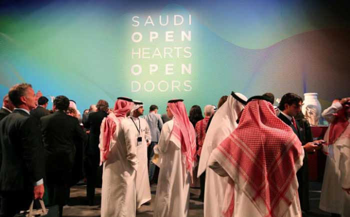 Saudi Arabia woos tourists, offers visas to 49 countries