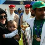 Former Skipper Sarfraz Ahmed's wife blasts at the critics