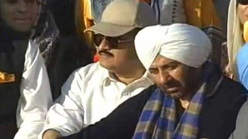 Sunny Deol spotted with Usman Buzdar - Daily Times