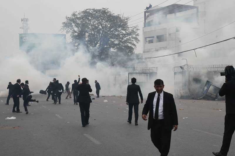 LHC slams 'culture of jungle' as lawyers seek release of colleagues