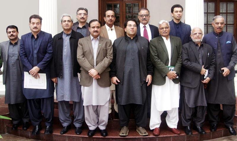 CM Buzdar discusses proposals for making PTI more vibrant, effective
