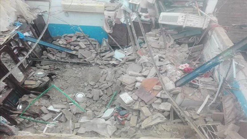 Three killed as house roof collapses in Sukkur