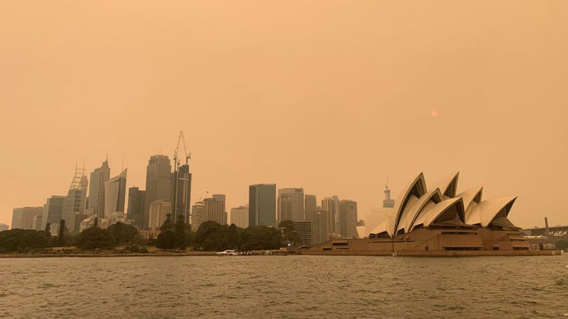 Giant fire near Sydney may burn for weeks as people struggle to breathe