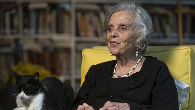 Mexico's most famous living author stands by sex abuse claim