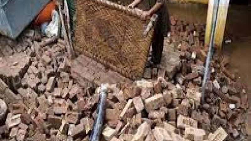 Three dead as three-storey building collapses in Sukkur