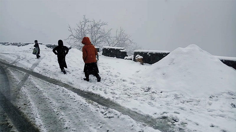 Rain, snowfall confines residents to their homes