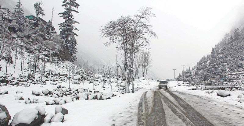 Snowfall, heavy rains bring life to a standstill in Balochistan, KP, GB