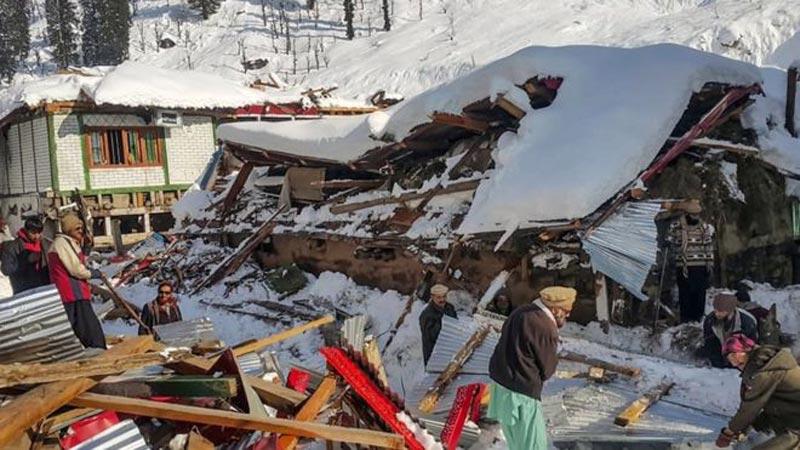 Avalanches, flooding kill 93 people across Pakistan