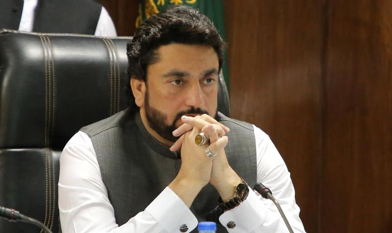 Afridi, Rana Sanaullah dare each other on narcotics case
