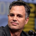 Mark Ruffalo took 5 weeks off to gain 30 pounds while playing twins