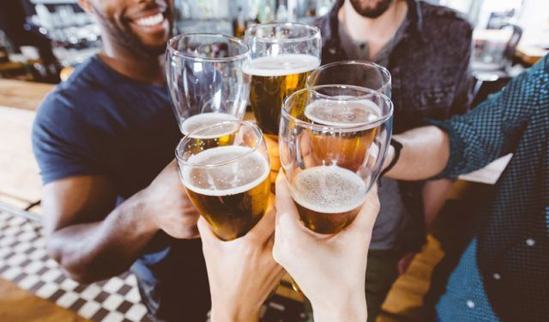 UK pubs cheered by first rising numbers in a decade