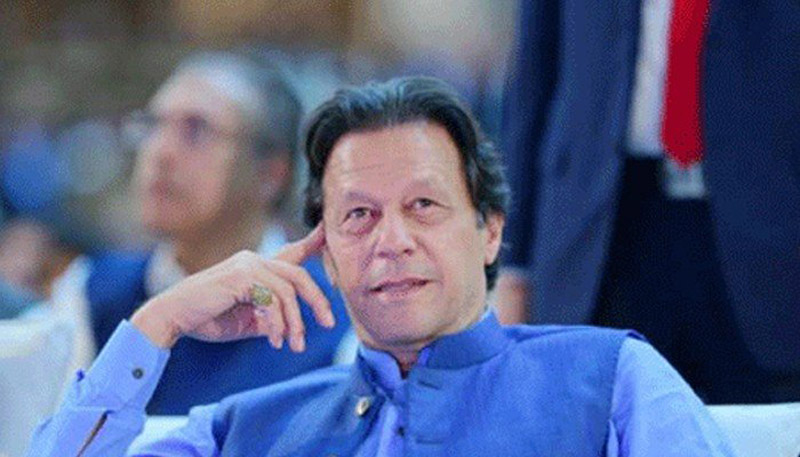 Imran orders 'grand operation' to curb 'flour crisis' in country