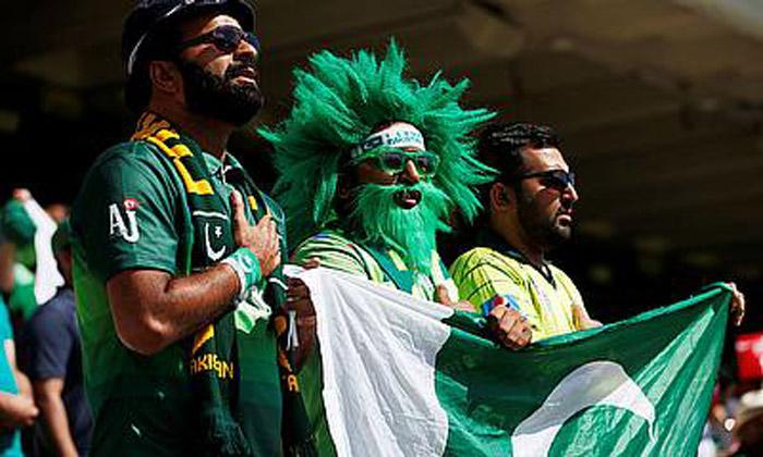 Pakistan ensure quarters berth with win over Zimbabwe