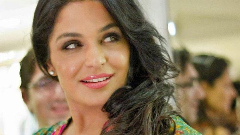 Film stars are precious, respect them: Meera Ji   Daily times