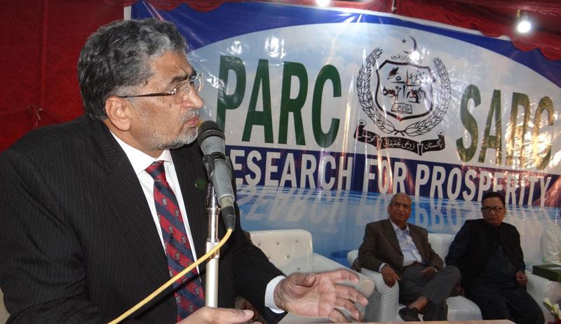Dr M Azeem Khan visits PARC-SARC Karachi