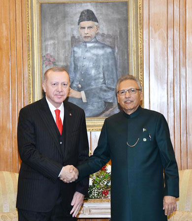 Pakistan, Turkey vow to back each other on issues of national interest