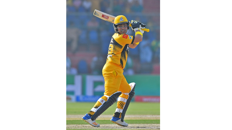 Kamran hits scintillating 101 as Peshawar outplay Quetta by 6 wickets
