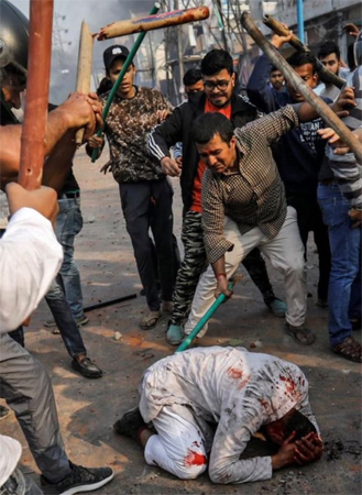 Curfew imposed in delhi, 23 dead and 200 seriously injured