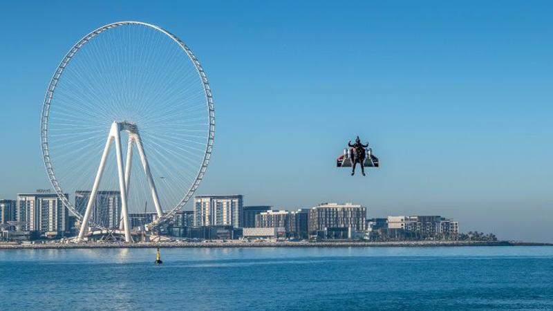 'Jetman' stuns with Iron Man-style flight over Dubai