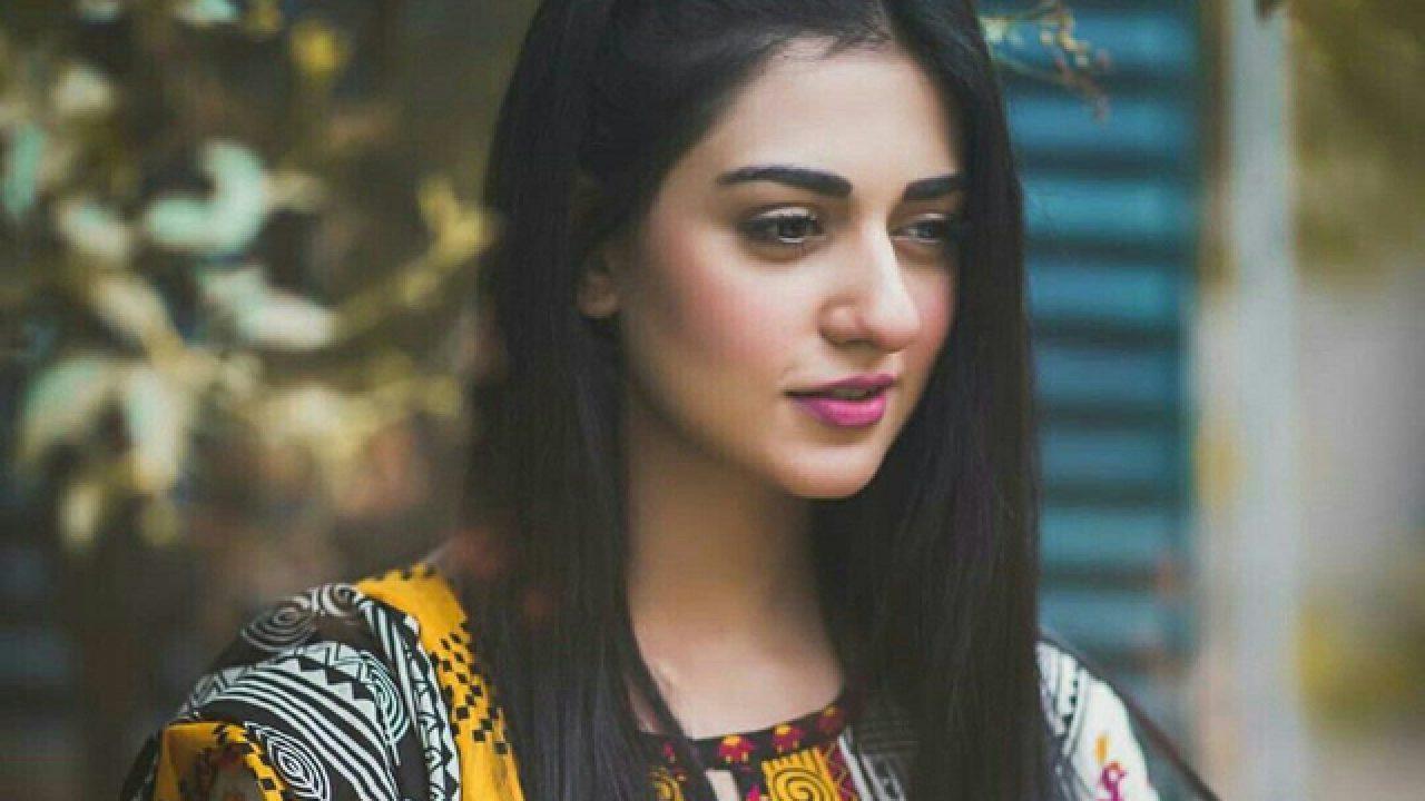 Sarah Khan criticises Khalilur Rehman   Daily times