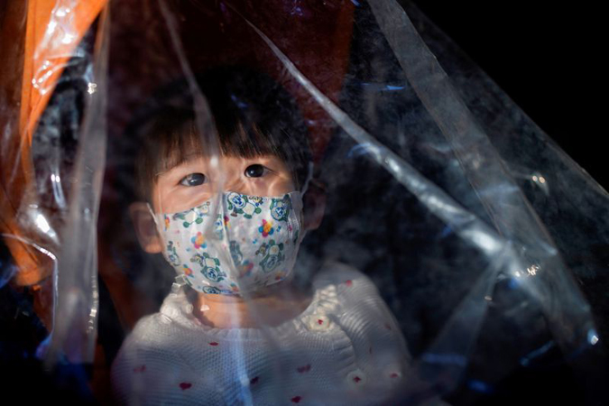 China reports 28 virus deaths, rise in new cases outside epicentre