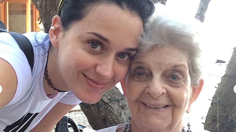 Katy Perry Tells Dying Grandma She's Pregnant In Precious Video