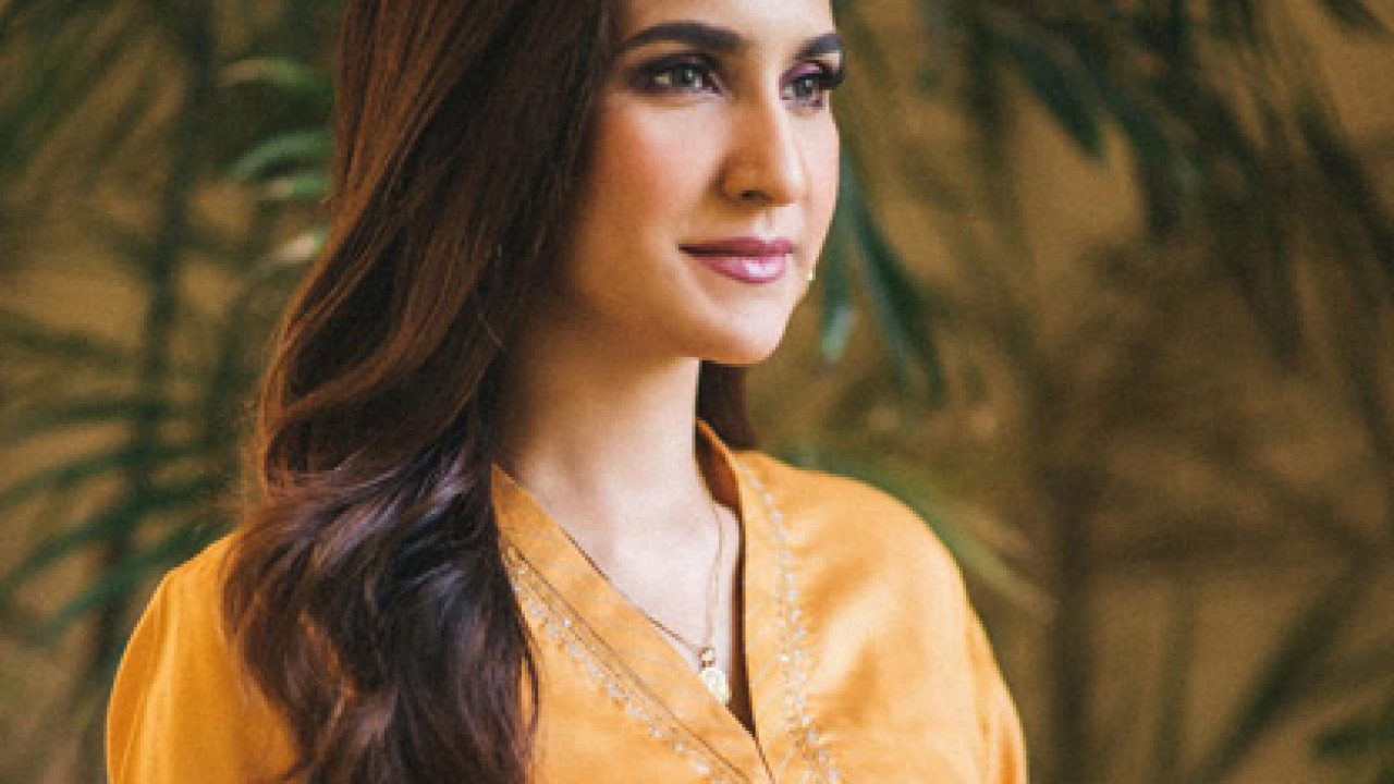Anoushay Abbasi dazzles in her new photoshoot | Daily times