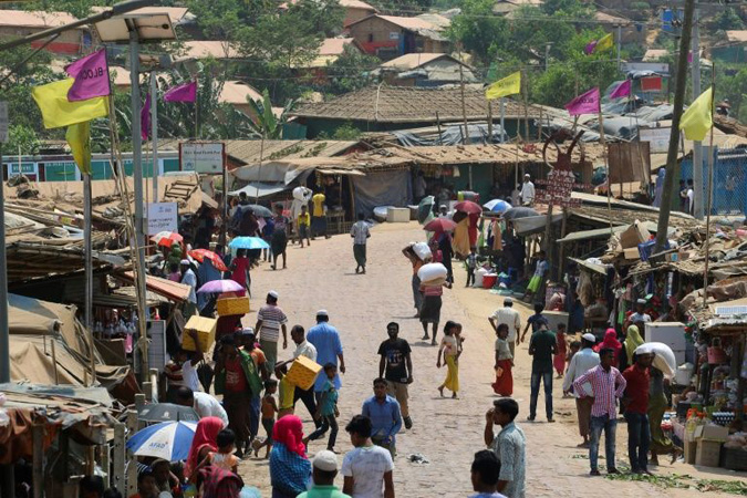 Virus panic grips Rohingya camps in Bangladesh