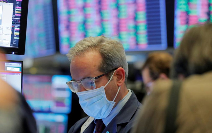 Oil-rich wealth funds seen shedding upto $225 bln in stocks