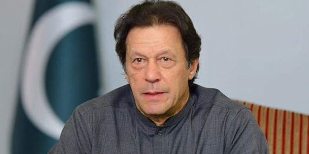 Whole nation stands with health workers: PM Khan