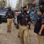 Citizens thrash policemen for stopping Friday prayer in Liaquatabad